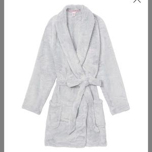 Brand new robe from Victoria's Secrets